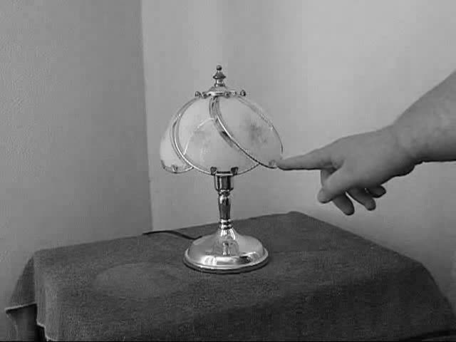Touch_Lamp_Demonstration.ogv
